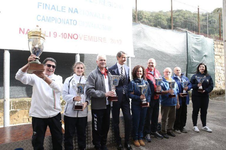 Il Presidente Puglia Tansella esultante con il trofeo